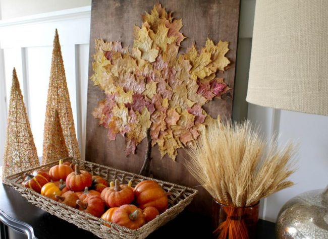 Осень - прекрасная пора для изготовления панно из листьев