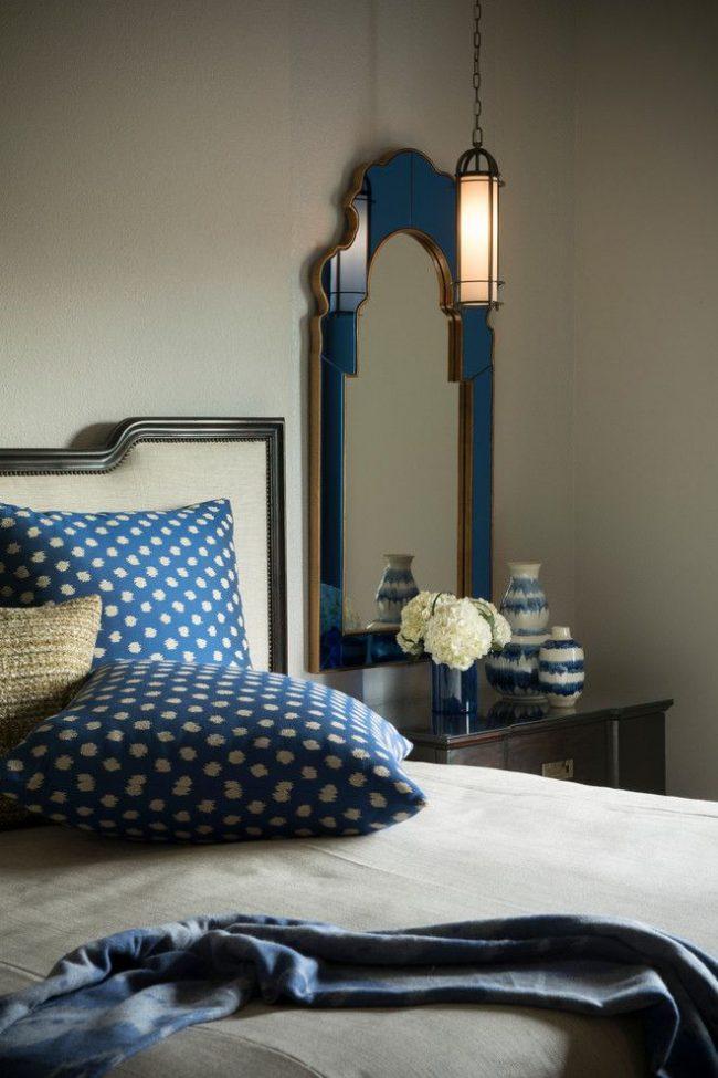 Симпатичный потолочный светильник идеально подходит для спальни в средиземноморском стиле