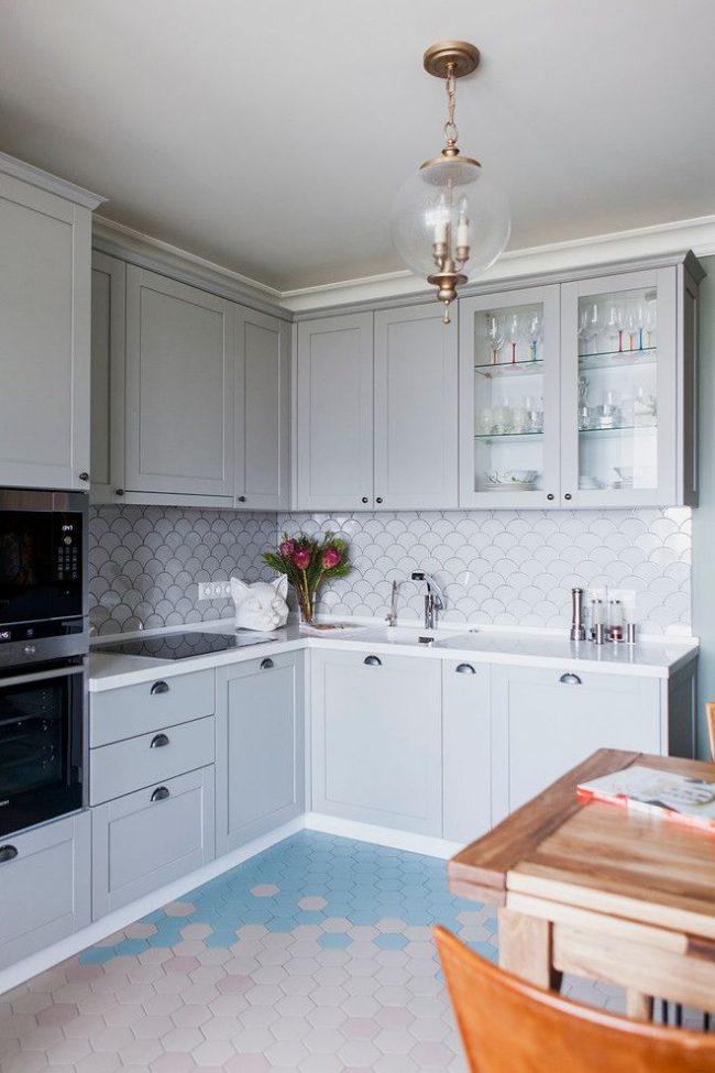 Современная кухня в серых тонах