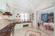 Фото 17 Угловая тумба под мойку на кухню: размеры, виды и 90+ вариантов удобного размещения