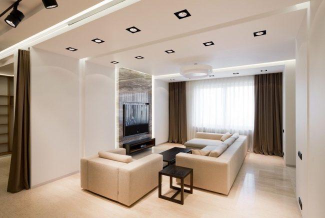 Зонирование с помощью штор позволяет из одного большого помещения сделать несколько более функциональных