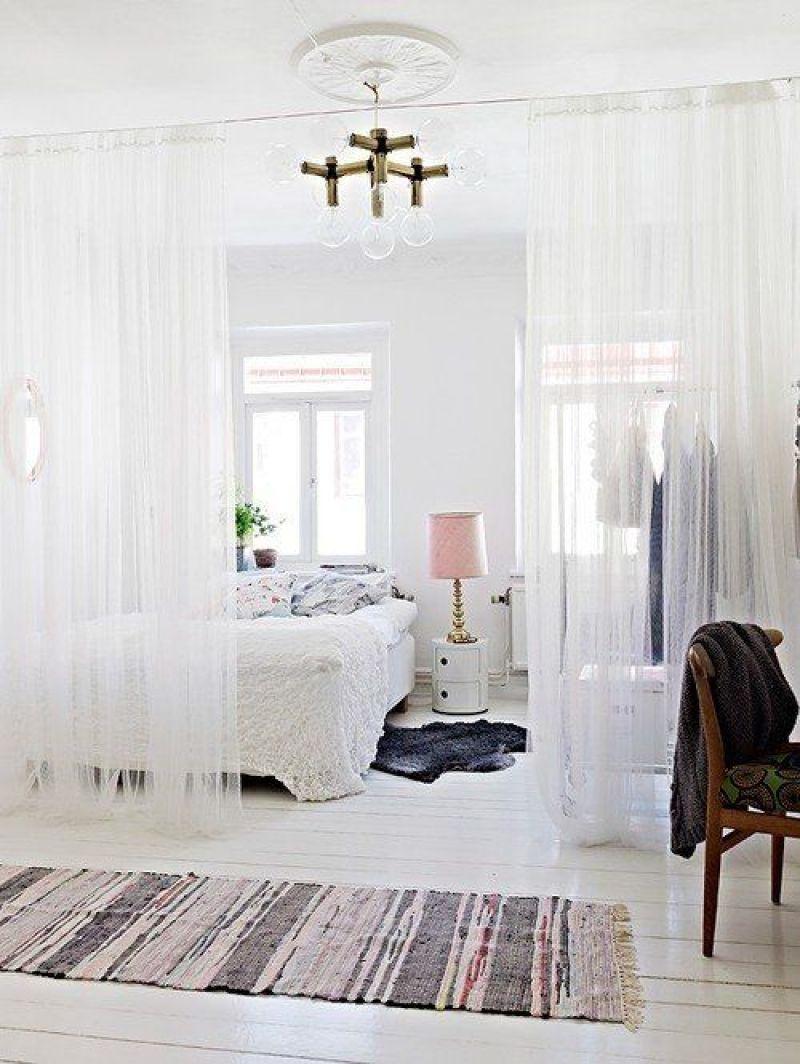 Curtain separator