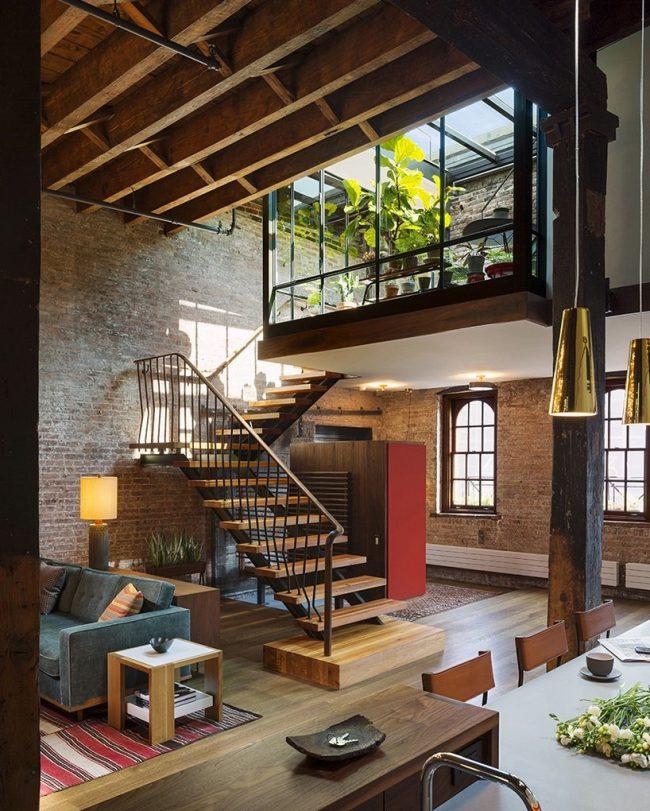 Двхуровневая квартира с панорамным балконом