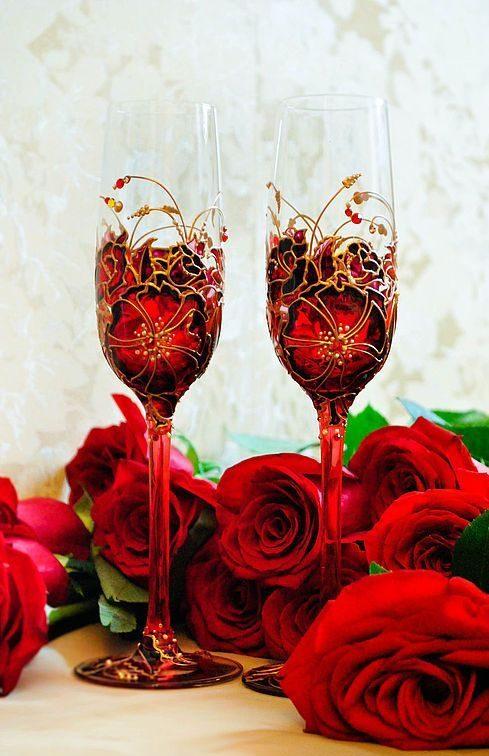 Праздничный декор бокалов для шампанского ко Дню св. Валентина