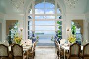 Фото 13 Большие вазы в интерьере: формы, варианты наполнения и 80 роскошных идей для дома