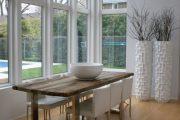 Фото 30 Большие вазы в интерьере: формы, варианты наполнения и 80 роскошных идей для дома