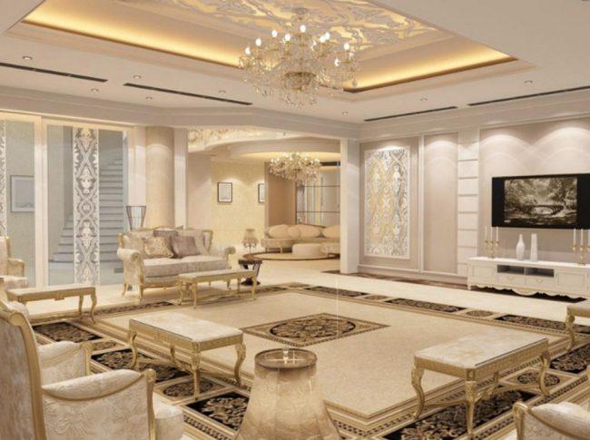 Интерьер махарджей в арабском стиле выполнен в кремовых и песочных тонах. Зеркальные поверхности, подсветка, позолота мебели и плитка с традиционными узорами могут быть дополнены современной техникой (плазмой, кондиционером и др.)