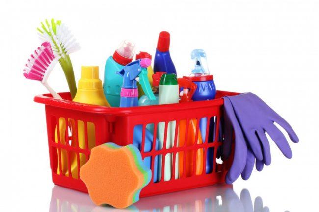 Химические средства также являются одним из быстрых способов прочистить трубы