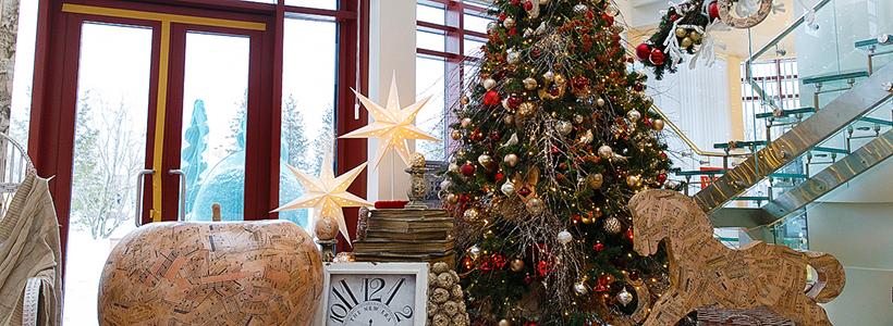 Как украсить офис к Новому году: 80 простых и элегантных вариантов