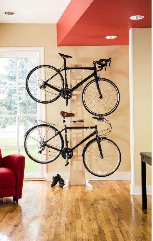 Крепление для велосипеда на стену: велостойка позволяет удобно хранить сразу несколько велосипедов