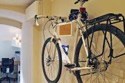 Фото 18 Крепление для велосипеда на стену: популярные виды конструкций и изготовление своими руками