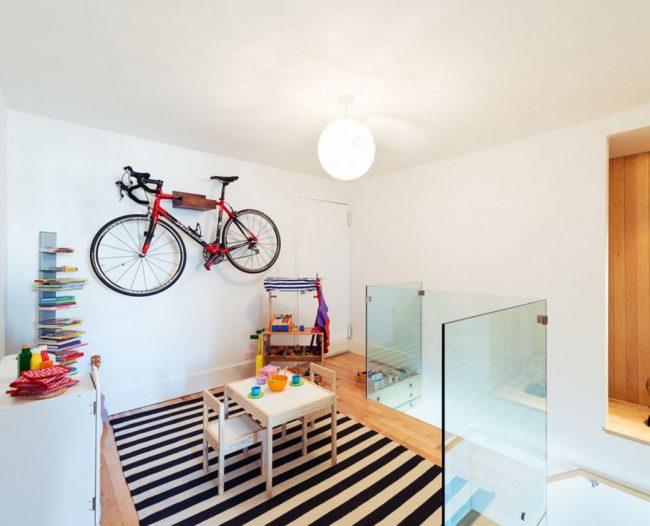 Комфортно хранить велосипед можно в любом помещении: комнате, балконе, гараже, спортзале