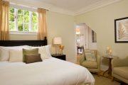 Фото 40 Стоит ли ставить кровать изголовьем к окну? Плюсы, минусы и 80 комфортных реализаций