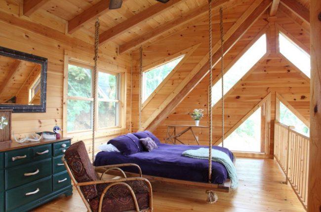 Кровать изголовьем к окну - нестандартное решение,которое способное кардинально преобразить интерьер