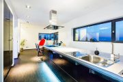 Фото 29 Кухня-столовая в частном доме: секреты зонирования и практические советы по декору
