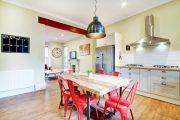 Фото 34 Кухня-столовая в частном доме: секреты зонирования и практические советы по декору