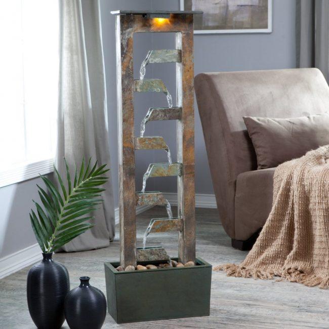При пересушенном воздухе в помещении рекомендуют использование домашних фонтанов