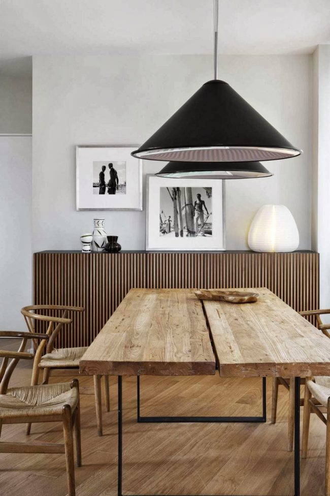 Обеденный стол в светлом орехе