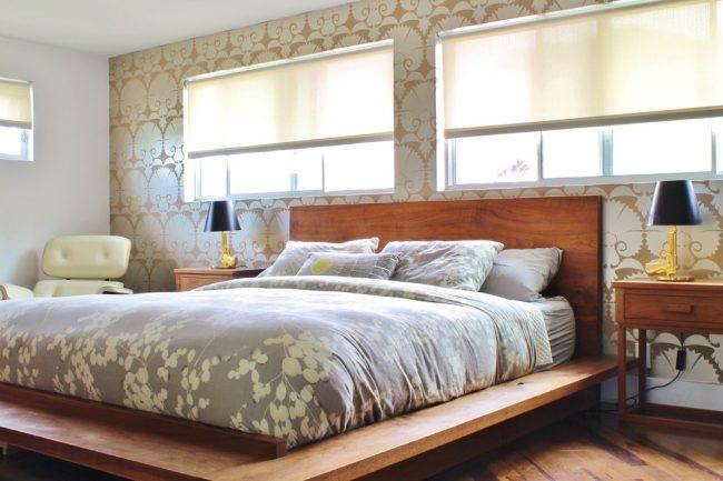 Спальня в теплых ореховых и бежевых тонах