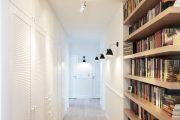 Фото 35 Как организовать правильное освещение в коридоре квартиры (90 фото): советы и лучшие идеи