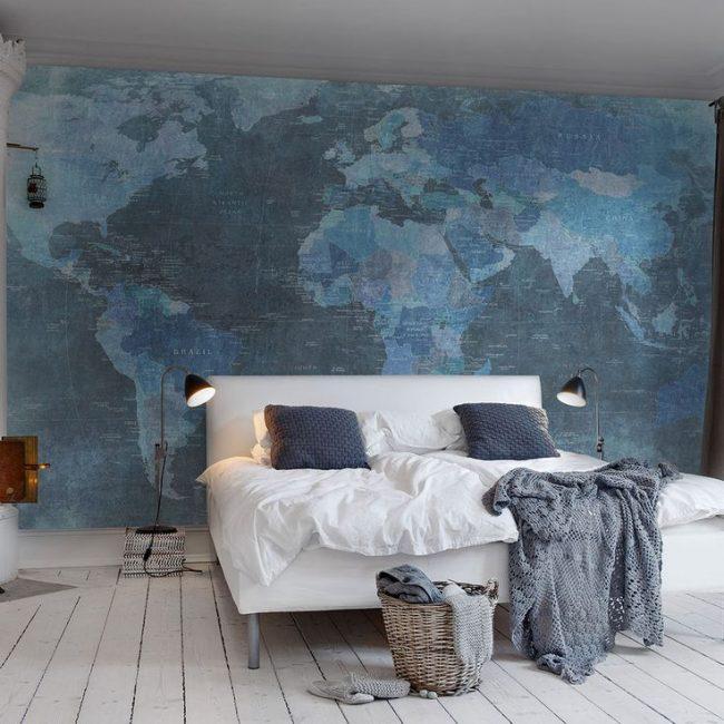 Фотообои в синих тонах для светлой спальни