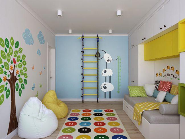 Короткая стена в детской оборудован под уголок спорта