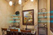 Фото 22 Стеклянные полки на стену: практичность, удобство и стиль для каждого