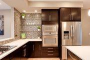 Фото 35 Стеклянные полки на стену: практичность, удобство и стиль для каждого