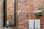 Фото 36 Стеклянные полки на стену: практичность, удобство и стиль для каждого