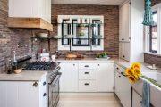 Фото 39 Стеклянные полки на стену: практичность, удобство и стиль для каждого