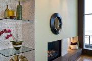 Фото 47 Стеклянные полки на стену: практичность, удобство и стиль для каждого
