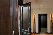 Фото 12 Темные двери в интерьере: 80 роскошных реализаций в цвете венге, ормозия и орех