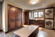 Фото 33 Темные двери в интерьере: 80 роскошных реализаций в цвете венге, ормозия и орех