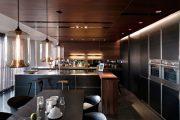 Фото 37 Темный потолок в интерьере: 80 роскошных и строгих дизайнерских вариантов