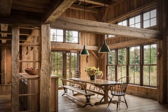 Деревенский стиль в оформлении интерьера - рустик - также предпочитает использовать дерево в отделке стен
