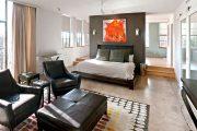 Фото 8 Дизайн спальни-гостиной площадью 18 кв. м: продуманные идеи для комфорта и экономии пространства