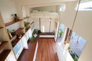 Фото 17 Дизайн спальни-гостиной площадью 18 кв. м: продуманные идеи для комфорта и экономии пространства