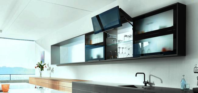 Доводчик - это мягкое и плавное закрытие кухонных шкафов