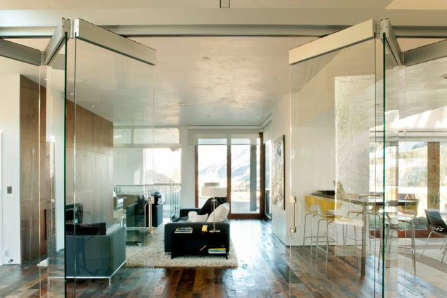 Двери-гармошка в интерьере квартиры-студии