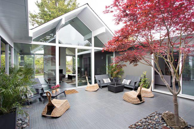 Дизайнерское решение в изготовлении кресла качалки поражает своей уникальностью и изысканностью