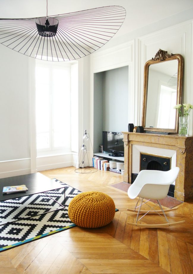 Гармоничный интерьер гостиной в стиле фьюжн