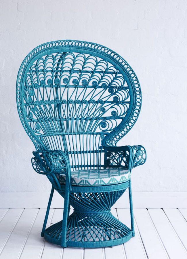Эффектное кресло Peacock Chair со спинкой в форме хвоста павлина