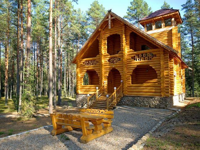 Деревянный дом из сруба в русском стиле