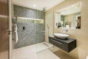 Фото 21 Трап для душа в полу под плитку: лучшее решение для современной ванной комнаты