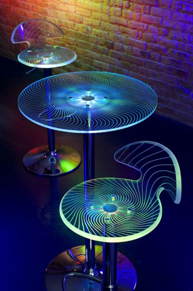 Декоративный набор стульев и столика с подсветкой