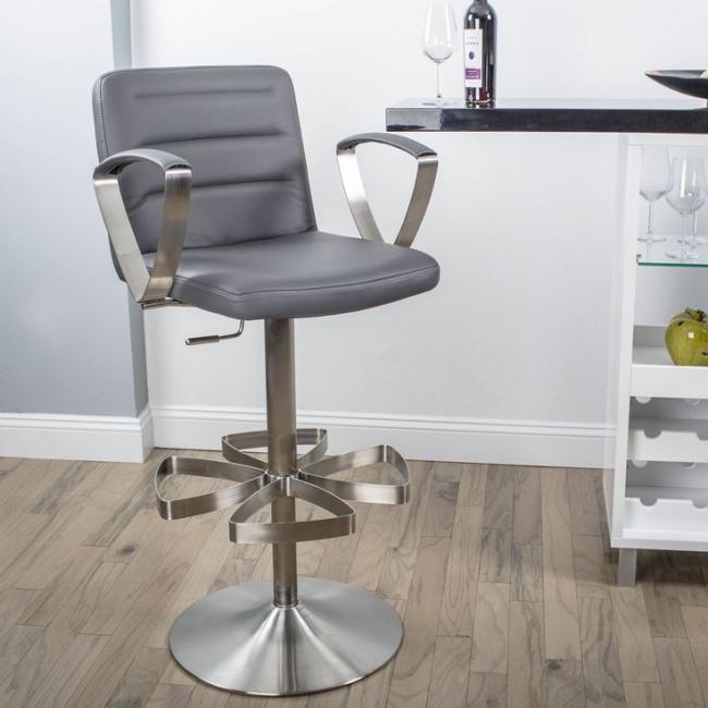 Мягкое барное кресло с подставкой для ног в виде лепестков