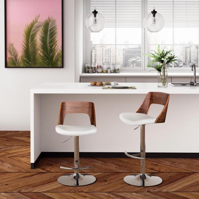 Комбинированные барные стулья с мягким сиденьем и деревянной спинкой