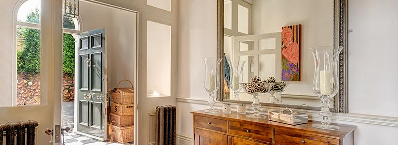 Большое зеркало в прихожей: 70 продуманных дизайнерских реализаций в интерьере