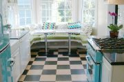 Фото 31 Цветные холодильники: яркие акценты против серой обыденности на кухне