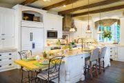 Фото 32 Цветные холодильники: яркие акценты против серой обыденности на кухне